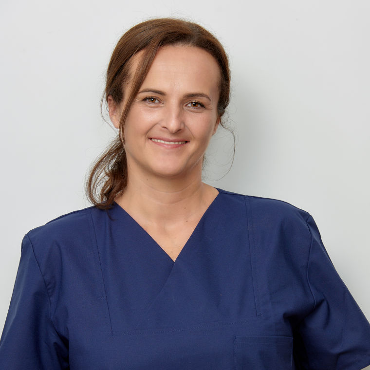 Frau Diana Krauthaker